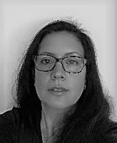 Valeria Paredes : Secretaria